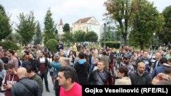 Foto:RSE, protesti novinara i novinarki u Banja Luci, 27.08.2018.