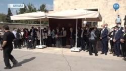 HDP TBMM Bahçesinde Oturma Eylemi Yaptı