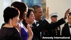 美国总统奥巴马和夫人,日本首相安倍和夫人出席白宫国宴(2015年4月28日)