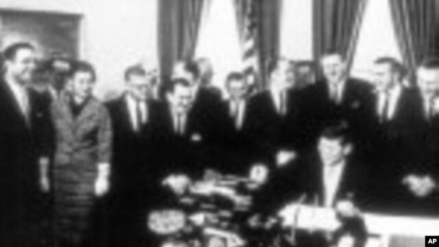 Amerikan Barış Gönüllüleri Kennedy ve Barış Gönüllüleri