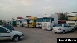 عکسی از تجمع کامیونداران در دور جدید اعتصاب - آرشیو