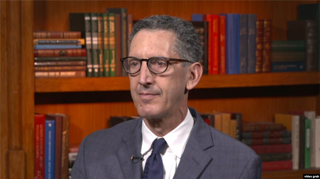 Edvard Džozef, profesor na Univerzitetu Džons Hopkins