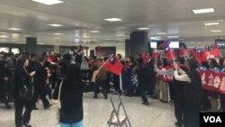 華盛頓國民黨黨主席朱立倫到達華盛頓杜勒斯國際機場 (美國之音蕭洵)