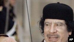 Libye : Kadhafi poursuit l'offensive contre les rebelles