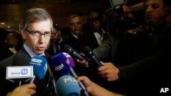 Đặc sứ LHQ tại Libya Bernardino Leon phát biểu trước báo giới ở Skhirat, Morocco, ngày 8/10/2015.