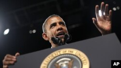 La campaña del presidente Obama celebra este lunes números favorables en las encuestas y en la caja registradora.