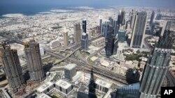 امارات متحده عربی، به رغم تیرگی روابط با تهران، همچنان یکی از مراکز عمده برای فعالیت شرکتهای تجاری و صرافیهای ایرانی است.