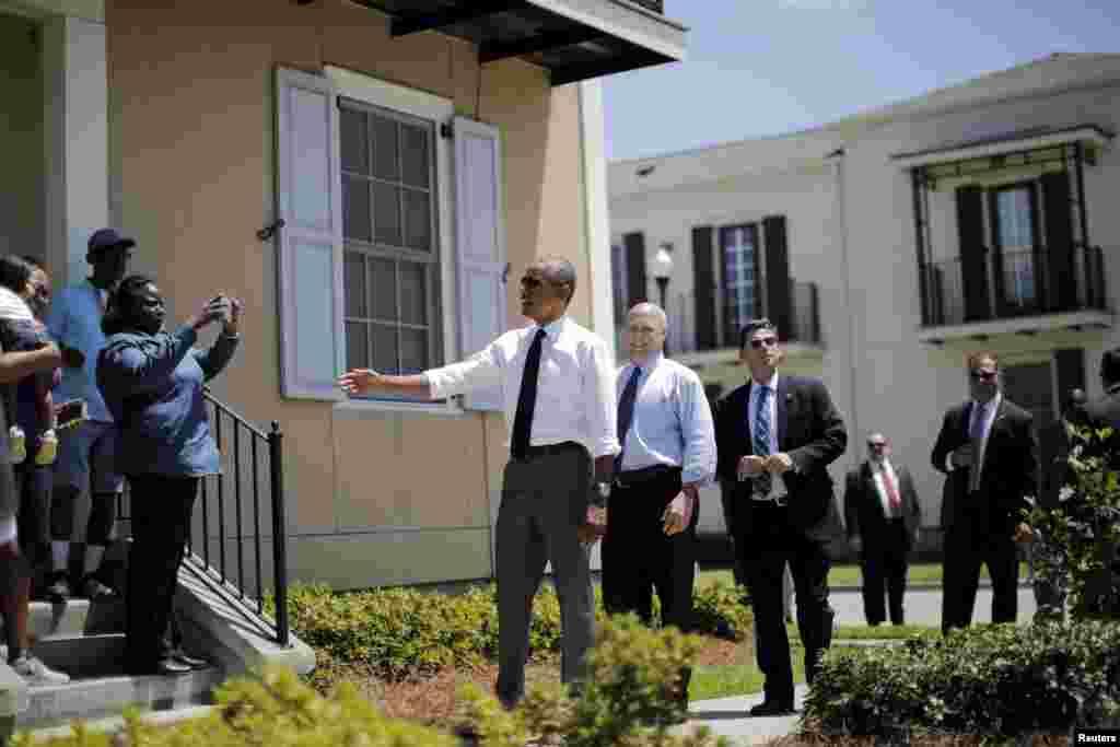 امریکہ کے صدر براک اوباما نے دس سال قبل آنے والے تباہ کن طوفان ہریکین قطرینہ سے شدید متاثر ہونے والے علاقے نیو اورلینز کو بحال کیے جانے کی تعریف کی ہے۔