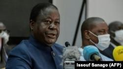 L'ancien président ivoirien et candidat du PDCI à l'élection présidentielle du 31 octobre, Henri Konan Bédié s'exprime lors d'une réunion du parti d'opposition à Abidjan le 20 septembre 2020.