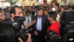 28일 이란 대통령 선거 후보 중 한 명인 모센 레제이 전 혁명수비대 사령관이 기자회견을 갖고 있다. (자료사진)