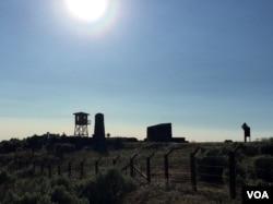 The Minidoka Relocation Center was hastily erected in 1942 on a stark, sagebrush plain near Twin Falls, Idaho. (VOA / T.Banse)