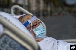 İspanya'daki hastaneden tedavi gören 60 yaşındaki Francisco Espana