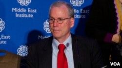 آقای فورد از سال ۲۰۱۱ تا ۲۰۱۴ سفیر آمریکا در سوریه بود.