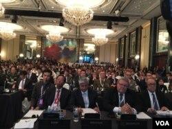 参加香格里拉对话第一次全体会议的各国代表(美国之音莉雅拍摄)