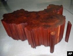 木雕《中国地图》包括台湾