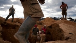 Polícia moçambicana repatria garimpeiros zimbabweanos em Manica