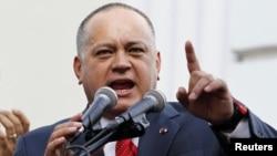 El presidente del parlamento, Diosdado Cabello, amenazó con no dar la palabra a los diputados que no reconozcan a Maduro .