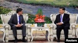 Джейкоб Лью и Си Цзиньпин на переговорах в Пекине, Китай. 19 марта 2013 года