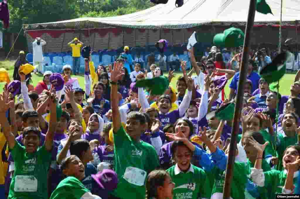 اس دوڑ میں مختلف شہروں سے آئے ہوئے 240 بچوں نے شرکت کی۔
