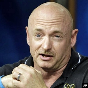 Mark Kelly Astronaut Marriage - Pics about space