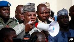 Gubernur negara bagian Borno, Kashim Shettima mengatakan bahwa kelompok Boko Haram sudah beberapa kali berusaha melakukan penculikan siswi-siswi di sekolah (13/5).