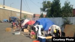 博伊斯市无家可归者在街头露宿 (Eric Tars)