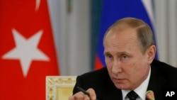 Ruski predsednik Putin tvrdi da je Ukrajina pokušala da isprovocira porast nasilja na Krimu