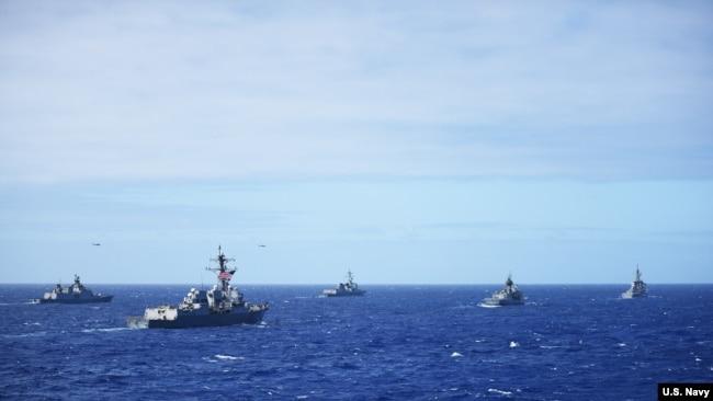 多國軍艦參與2016年環太軍演(美國海軍照片)