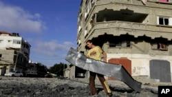 Gazze'de İsrail uçaklarının bombaladığı bir Hamas kampı