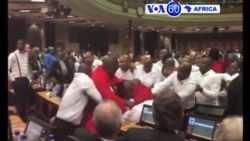 Manchetes Africanas 10 Fevereiro 2017: Violência anti-Zuma no parlamento
