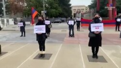 Սփյուռքահայերը միաժամանակ ցույցի էին դուրս եկել Նյու Յորքում, Ժնևում և Վիեննայում ՄԱԿ-ի գրասենյակների առջև՝ ԼՂ-ում խաղաղության պահանջով