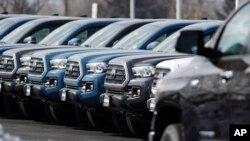 Las ventas minoristas de Estados Unidos cayeron inesperadamente en abril debido a que las familias redujeron las compras de automóviles.