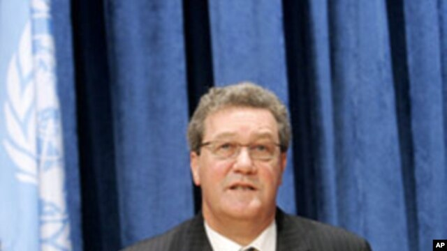 Alexander Downer (file photo)