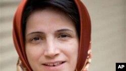 نسرین ستوده از ناراضیان سیاسی، خبرنگاران، مجرمان نوجوان محکوم به اعدام و فعالان زن ایران دفاع کرده است.