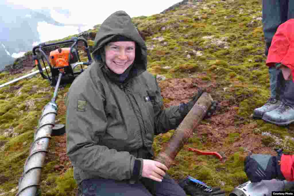 Frozen moss core over 500 years old removed from core head, Elephant Island, South Shetland Islands. (Dan Charman/Matt Amesbury)