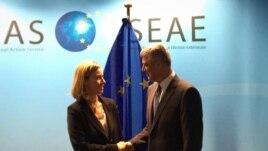 Mogherini: Bisedimet Kosovë – Serbi, përparësi e BE-së