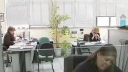 希腊将裁减公务员人数