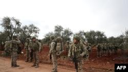 Turski vojnici u selu Kaminas, 6 kilometara jugoistočno od grada Idliba u Siriji, 10. februara 2020.