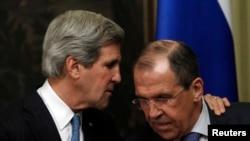 5月7日美国国务卿克里和俄罗斯外长拉夫罗夫在联合记者会上