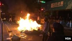香港旺角警民衝突 (美國之音 湯惠芸拍攝)