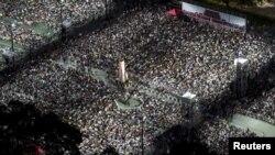 4일 홍콩 빅토리아 공원에 열린 베이징 톈안먼 사태기념 촛불 집회에 수천 명이 참석했다.