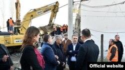 Crnogorski ministri obilaze pogođeno područje u Albaniji (Foto: gov.me)