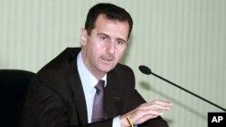 Presiden Suriah Bashar Al-Assad tidak tampil di depan umum saat peringatan Hari Angkatan Bersenjata Suriah, 1/8 (foto: dok).
