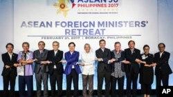 东盟外长在菲律宾中部的阿尔坎省长滩岛举行会议。(2017年2月21日)