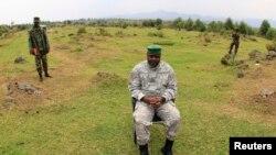 刚果民主共和国反政府武装M23领导人比西姆瓦接受媒体采访。(2013年8月2日资料照)