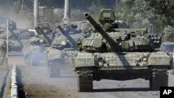 Колонна российских танков на марше (архивное фото)