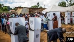 Abitabiriye amatora ahitwa Mzuzu muri Malawi