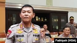 Kepala Badan Reserse dan Kriminal Kepolisian Republik Indonesia (Polri) Komisaris Jenderal Idham Azis sebelum melaksanakan uji kepatutan dan kelayakan sebagai Kapolri di Komisi III DPR, Rabu, 30 Oktober 2019. (Foto: VOA/Fathiyah)