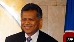 Tổng Thư Ký ASEAN Surim Pitsuwan nói với các phóng viên ông thất vọng vì sự vắng mặt của Hoa Kỳ tại hội nghị