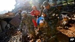 美国和中国军队星期五在中国昆明举行第四轮灾难管理交流演练。